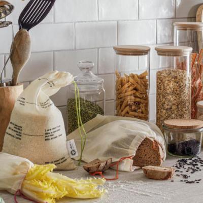 LE ZÉRO DÉCHET : En cuisine, je fais la chasse aux emballages inutiles.