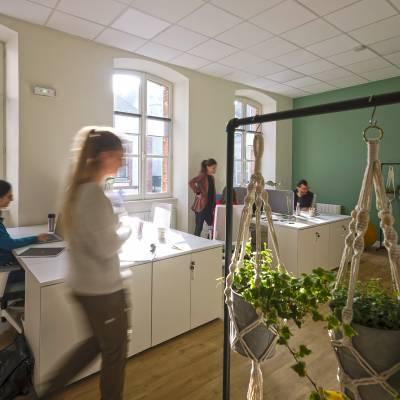 postes de travail en openspace