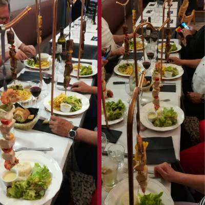 brochettes suspendues (boeuf canard, volaille, poissons)